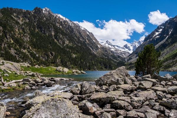 Lac de Gaube, Haute Pyrenees by chataignier