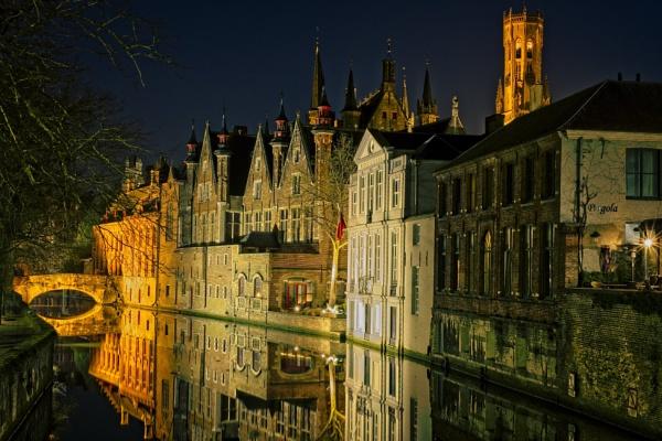 Bruges by night by RolandB43