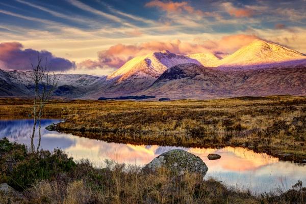 Blackmount Sunrise by douglasR