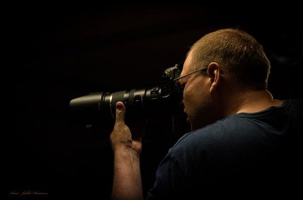 Photographer. by kuvailija