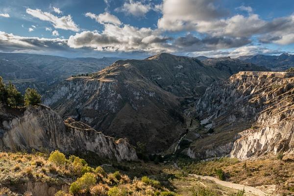 Toachi river canyon by macxymum