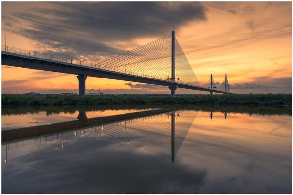 Under the Bridge. by Satlight