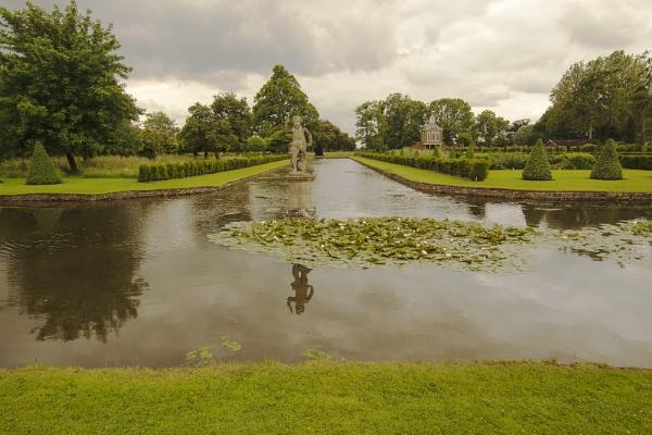 Westbury Water Gardens by Janetdinah