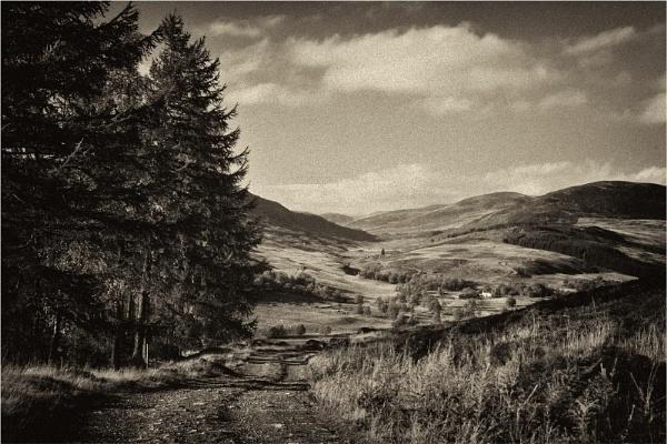 Towards Glenisla by MalcolmM