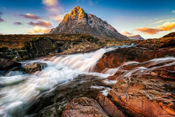 Highland Rising by douglasR
