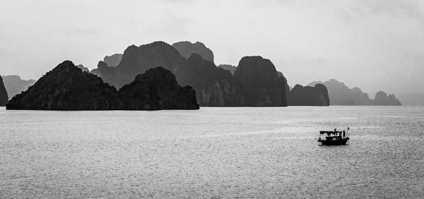 Ha Long Bay by david1810