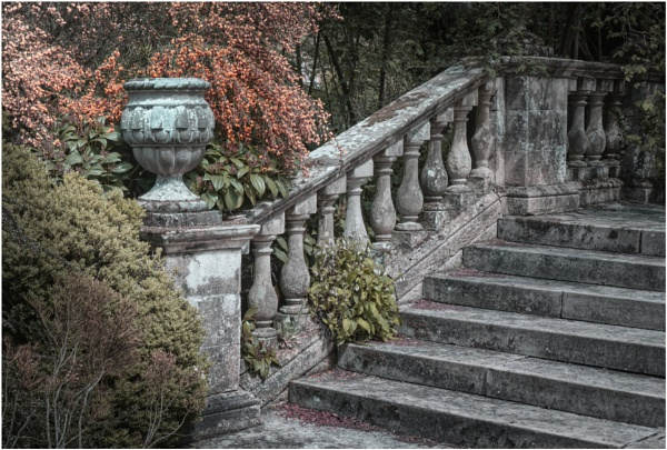 Balustrade and Urn by BigAlKabMan