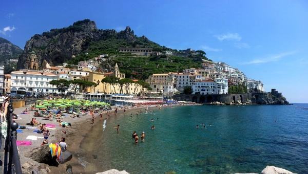 Amalfi, Italy by miptog