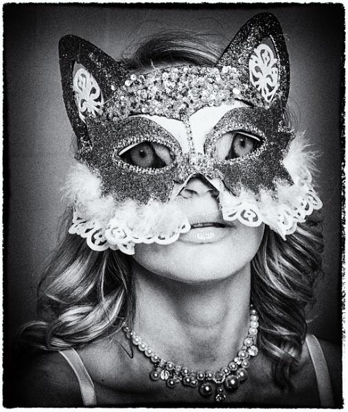 Cat\'s Eyes? by Owdman