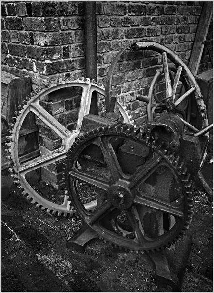 Gear Wheels by AlfieK
