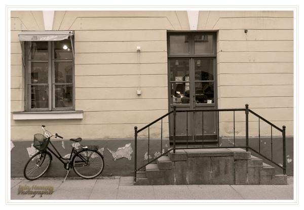 Helsinki street scene by IainHamer