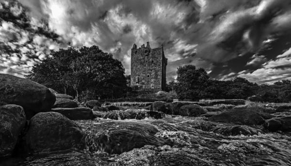 Derelict castle by esoxlucius