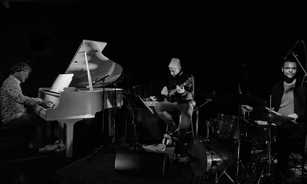Myele Manzanza Trio by barryyoungnz