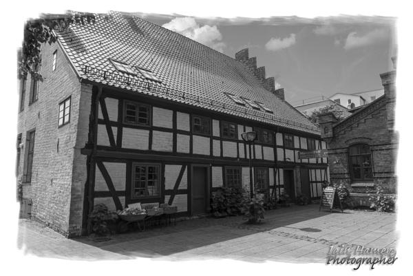 Old building Rostock by IainHamer