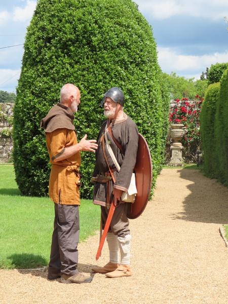 Discussing battle tactics by lindylou43