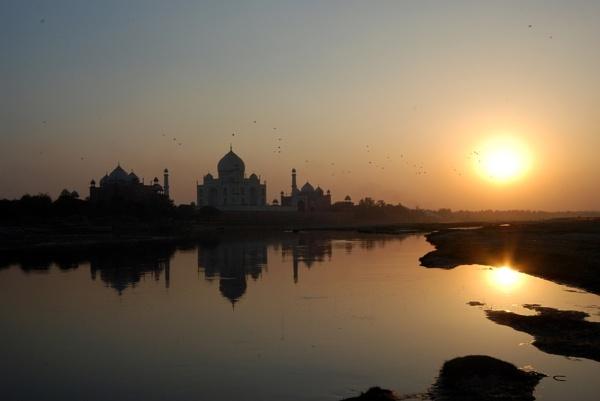 Taj Mahal. by peterthowe