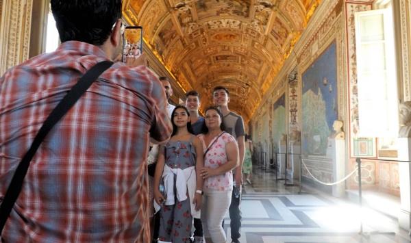 Family Portrait - Vatican Museum by Hamlin