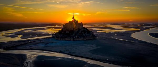 Mont St Michel by Stevetheroofer