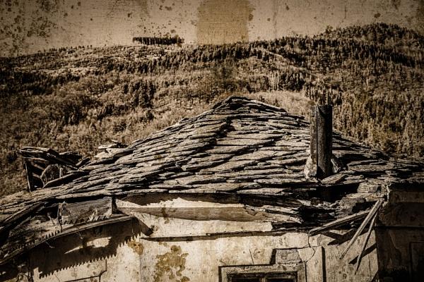 Old broken house by rninov