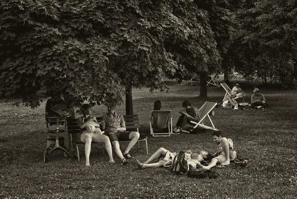 lawn people #2 by leo_nid