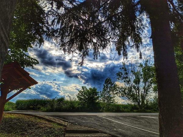 Beautiful sky by viktorinax