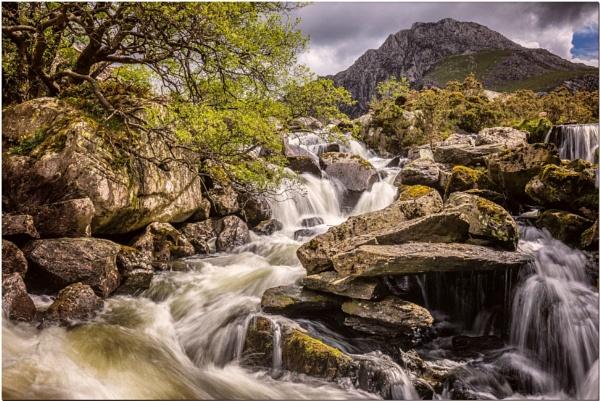 Ogwen Falls by MalcolmS