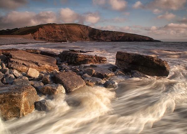 Light Rocks and Waves by Buffalo_Tom