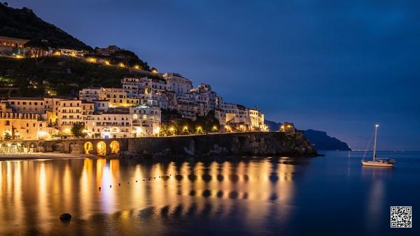 Amalfi Mooring by sut68