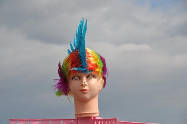 Funny heads... by Chinga