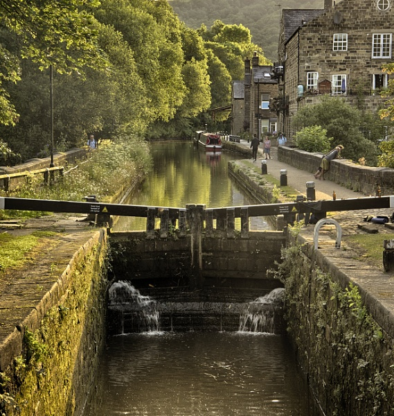 Black Pit Lock Rochdale Canal by iangilmour