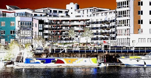 \'Skyloom\' Bristol Docks by starckimages