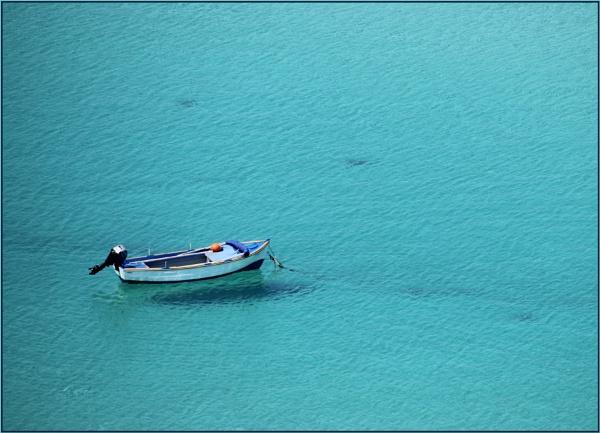 Sea Shadow. by lifesnapper