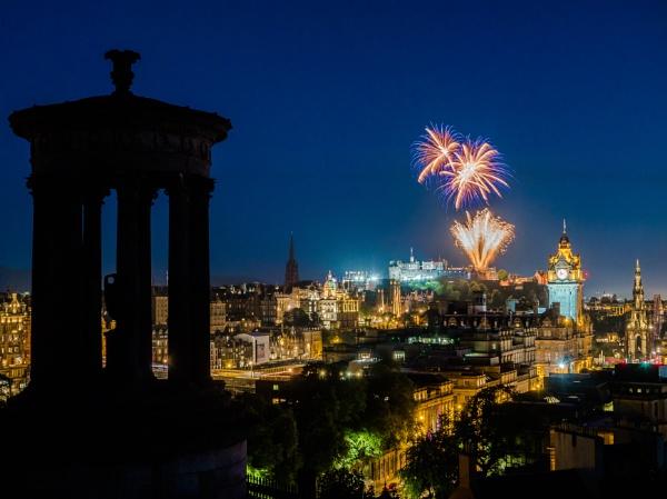 Edinburgh  Nightime by bill33