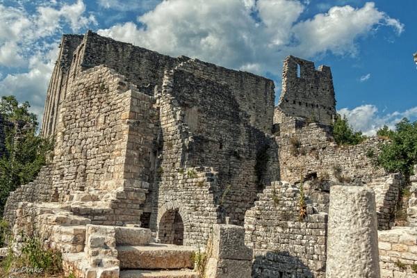 Dvigrad Castle (Due Castelli) by drDinko