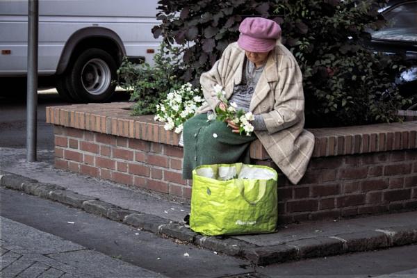 Flowerlady by ViVla