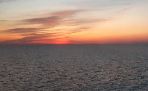 Sunset on sea by SauliusR