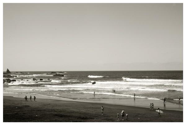 a sunday on the beach by bliba