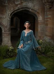 Pre Raphaelite Maiden