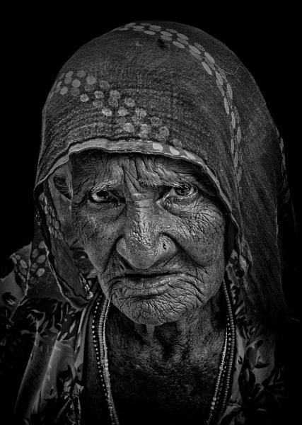 a brief encounter in Pushkar.......... by sawsengee