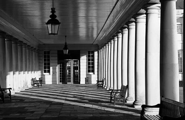 Greenwich colonnade by nmilyaev