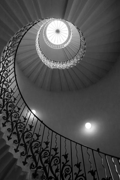 Greenwich stariwell -II by nmilyaev