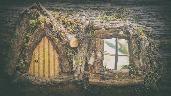little Hobbit\'s house by atenytom