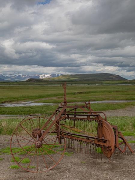 Icelandic Countryside by RobertTurley