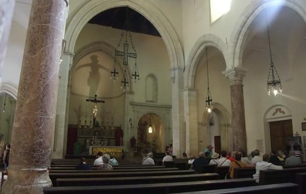 Duomo (Cathedral) of Taormina, Sicily - Interior. by MentorRon