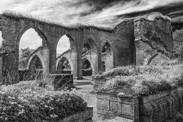 Ruins by Leikon