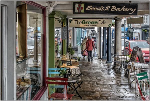 High Street, Totnes by TrevBatWCC