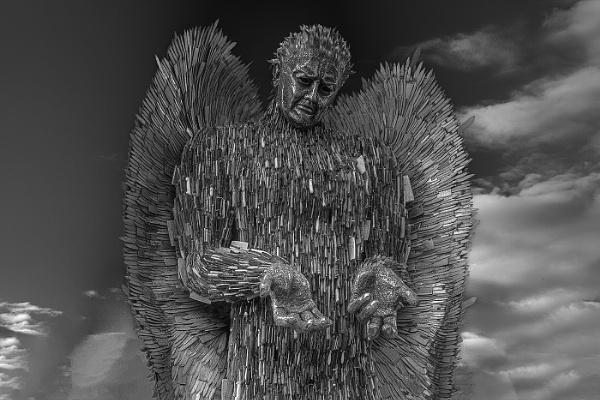 The Knife Angel BW by stevenb