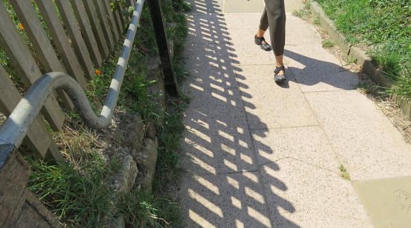 Saturday shadows at Hastings by newbe2