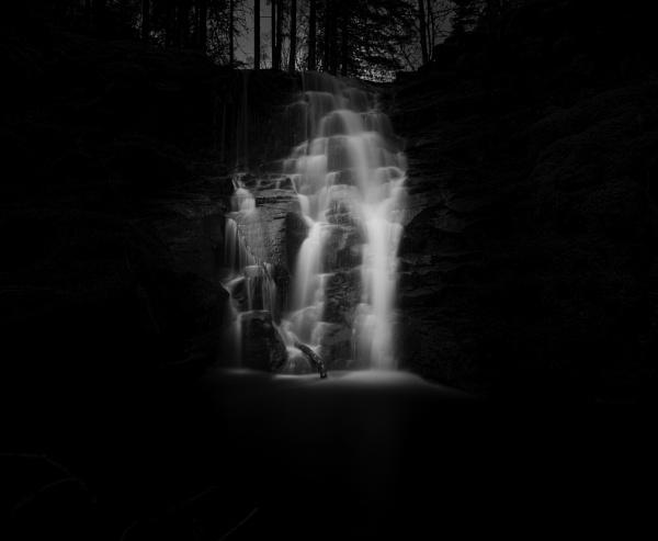 Twilight Falls by DavidMMWilliams