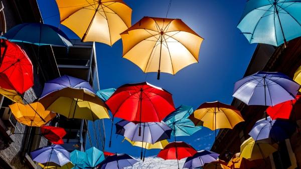 Umbrella Winter by Baronred